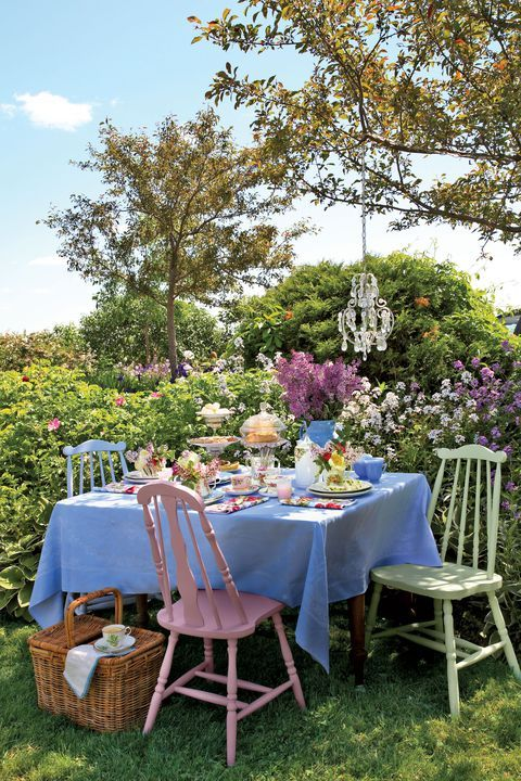 Set the scene this Mother's Day with a tea party table mom will remember.  #quot...
