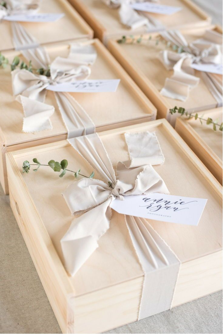 Best Corporate Gifts Ideas CLIENT GIFT BOXES// Neutral client appreciation gift ...