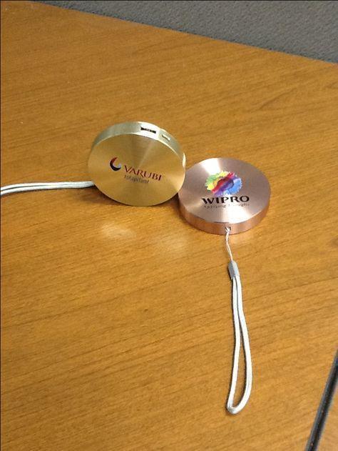 Corporate Gifts Ideas : Corporate Gifts Ideas Unique Power Bank Technology Givea...