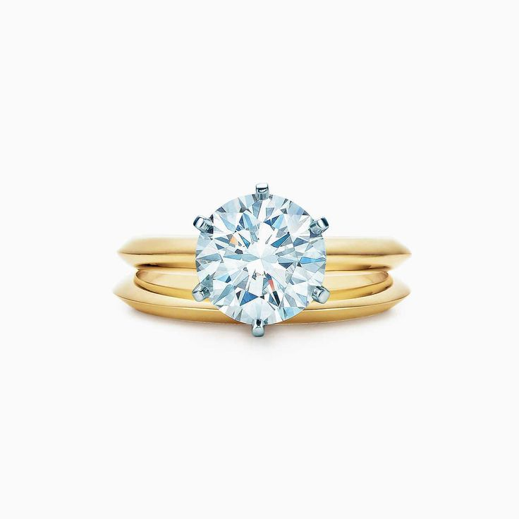A Perfect 18K Yellow Gold 5CT Round Cut Solitaire Russian Lab Diamond Ring