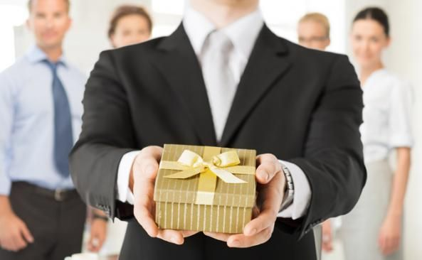 How can companies establish an effective Corporate Gifting program for their cli...