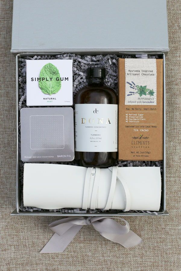 How to Create An Onboarding Gift for Your New Employees. | Employee Gifts | Empl...