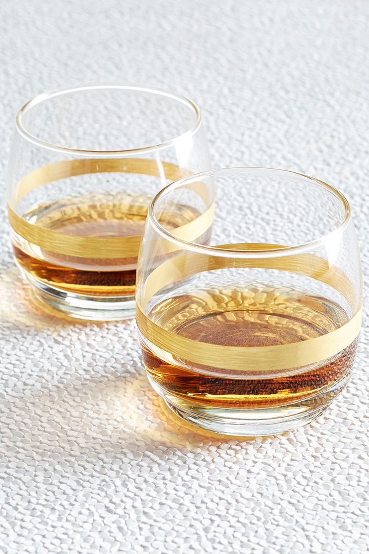 The whiskey connoisseurs in your life will appreciate this simple (yet affordabl...