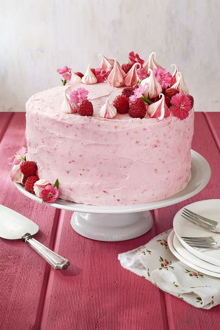 Make Mom a dessert (almost) as gorgeous as she is on Mother's Day with this rasp...
