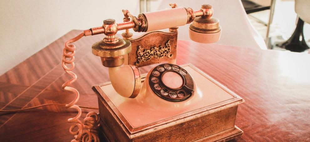 decoracion vintage telefono antiguo