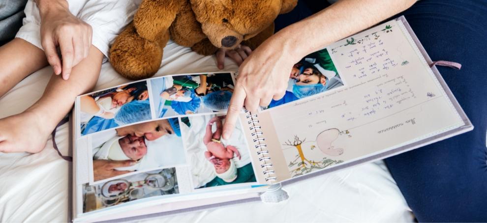 album scrapbook con fotos impresas