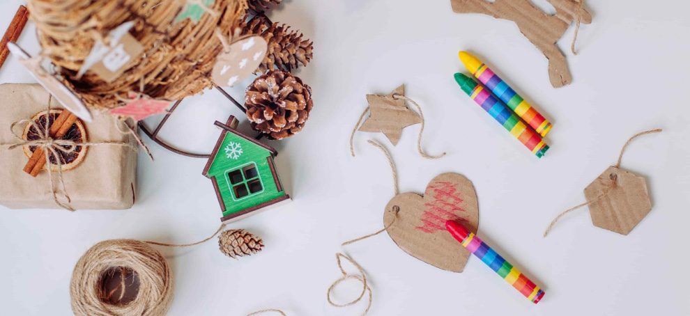 decorate house for christmas